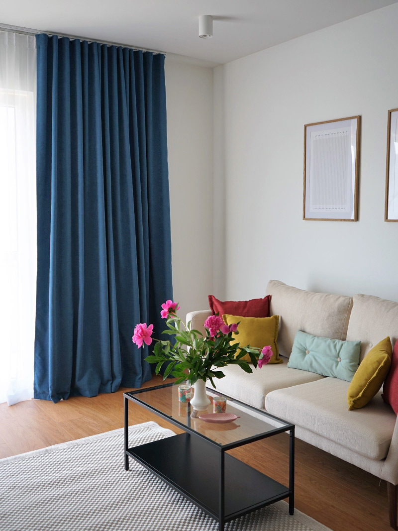 salon-okno-zaslony-akmo