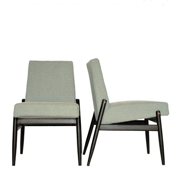 miętowe fotele celia na białym tle