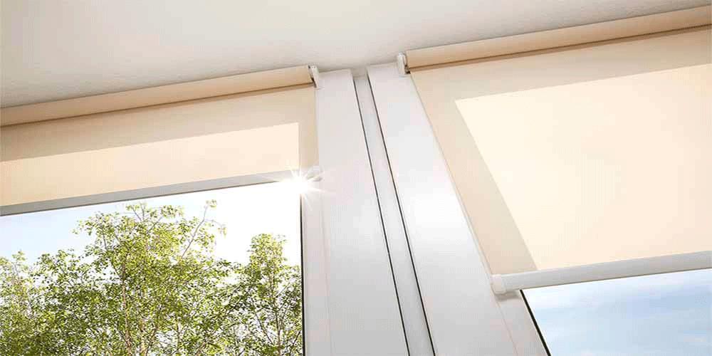 rolety zwijane na oknach
